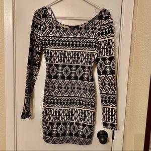 Black and beige long sleeve mini dress